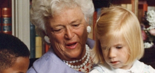 Barbara Bush reading to children